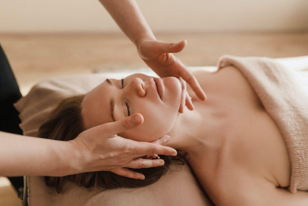 tipos de masajes que ayudan a relajarse